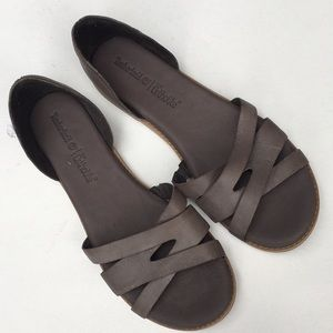 Like new Timberland leather sandals